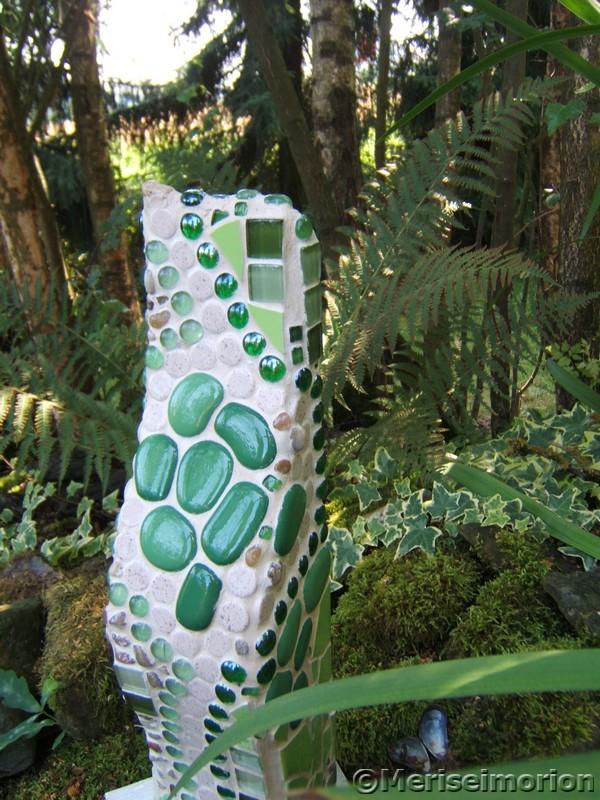 Grüne Mosaiksäule