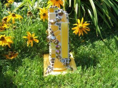 Gelbe Gartensäule