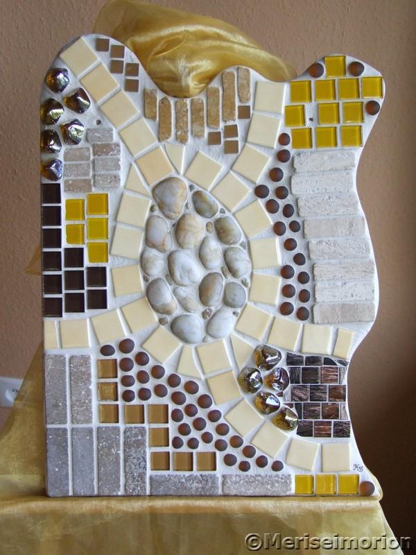 Mosaikbild in Gelb