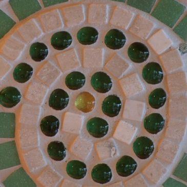 Grüne Mosaikspirale