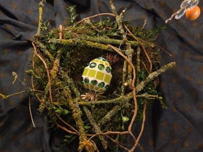 Osternest mit Mosaik Osterei