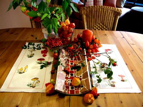 herbstdekoration in orange
