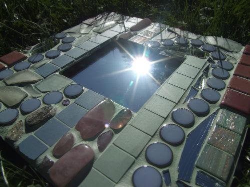 Mosaikspiegel in Hortensienfarben
