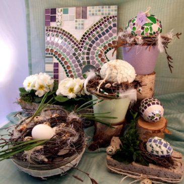 Pastellfarbene Mosaik Eier