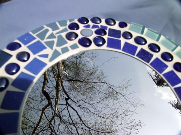 blauer mosaik spiegel und mosaik eier meriseimorion. Black Bedroom Furniture Sets. Home Design Ideas