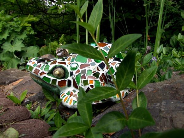 Mosaik Frosch im Garten