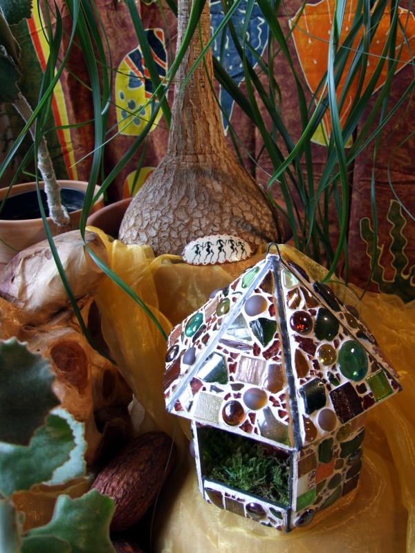 Elefantenfuß und Mosaik Glashaus