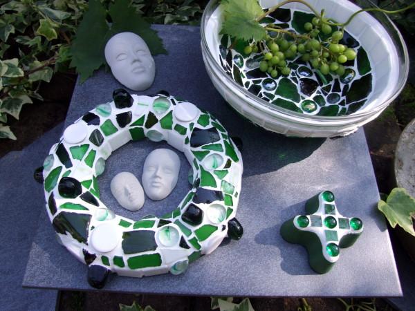 Mosaik und Beton im garten