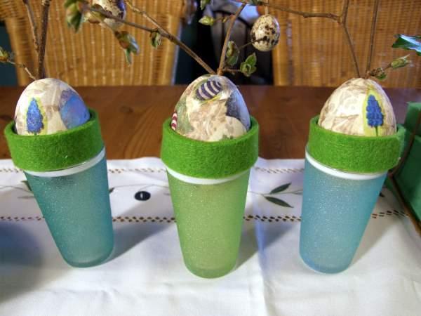 Gaense Eier mit Servietten beklebt