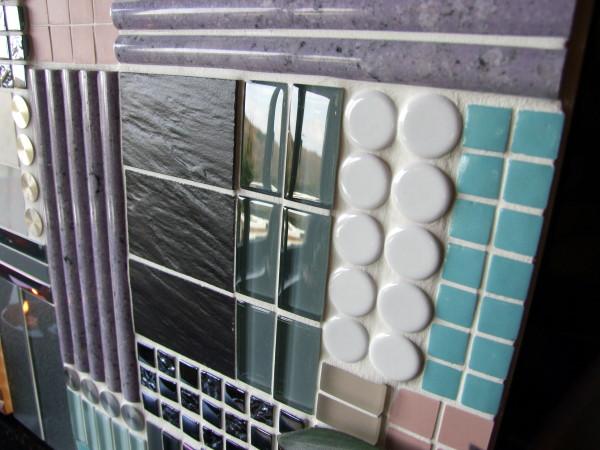 Mosaikbild in strengen Linien