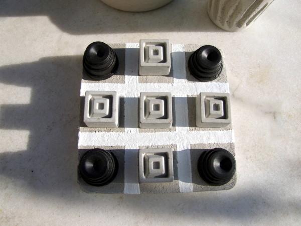 Beton Spiel Tic Tac toe