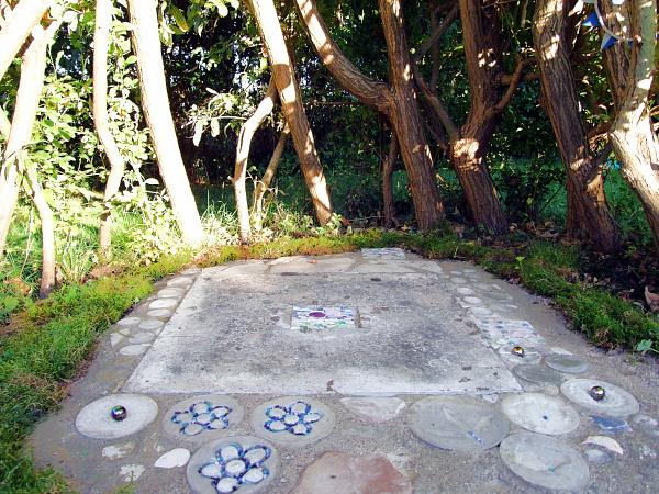 Weidentipi mit Mosaikboden
