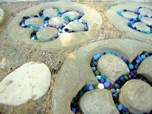 Weidentipi mit Mosaik Boden