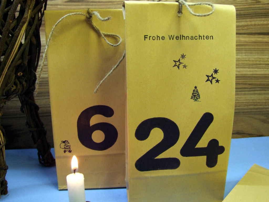 Adventskalender Päckchen füllen