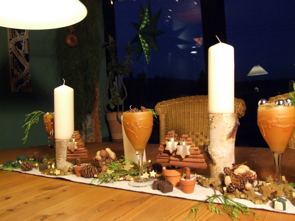 Adventsdekoration mit Birken