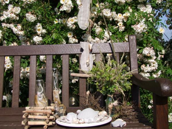 Sommerdeko im Garten vor Lykkefund