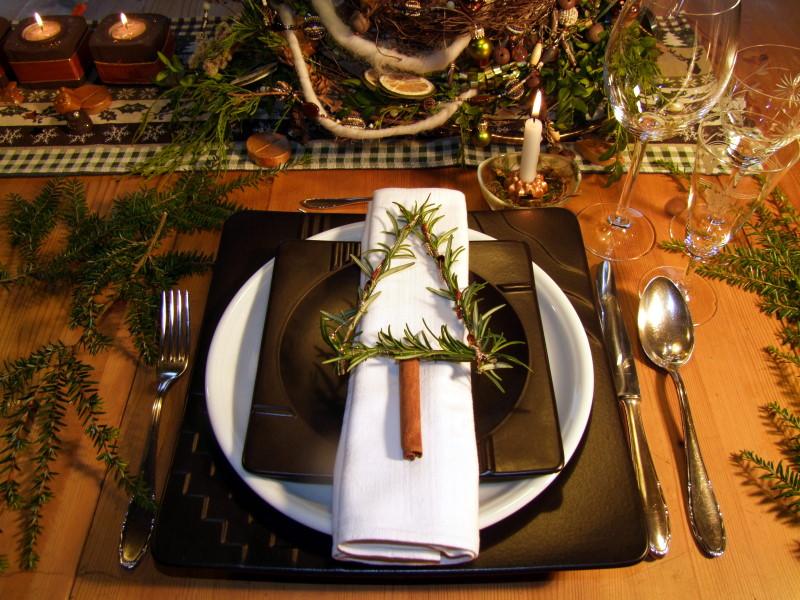 Tischdekoration Rosmarinbäumchen