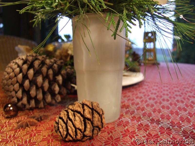 Tischdeko mit weißen Amaryllis