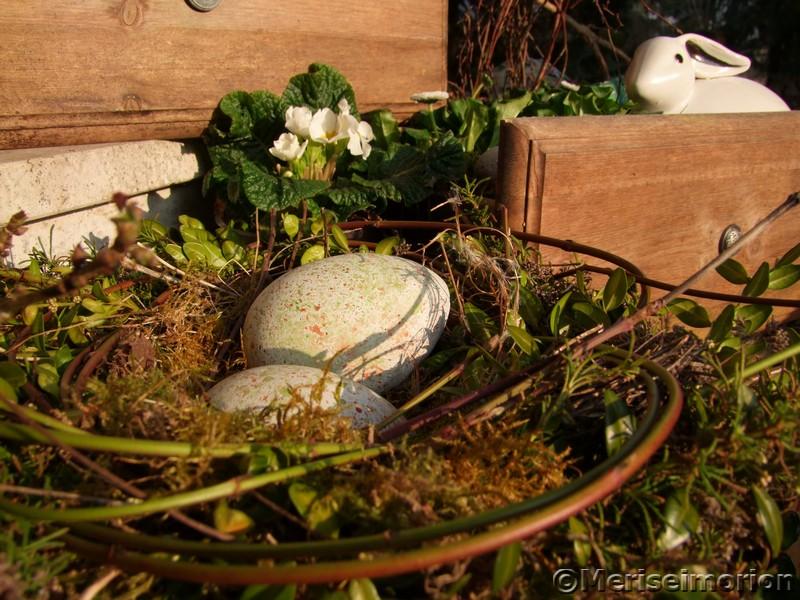 Osternester im Garten