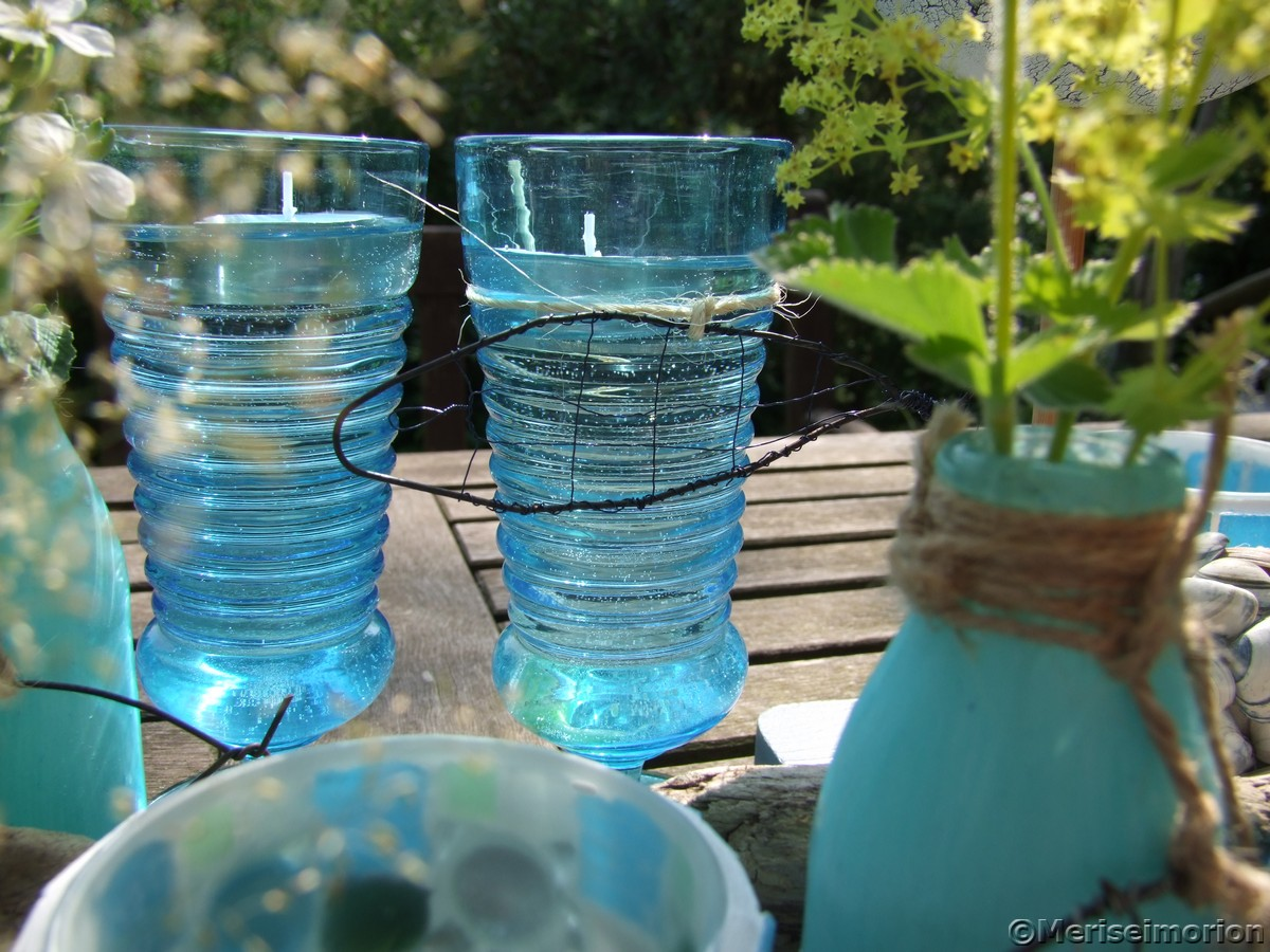 Blaue Gartendeko