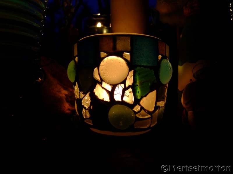 Mosaik Windlicht bei Nacht
