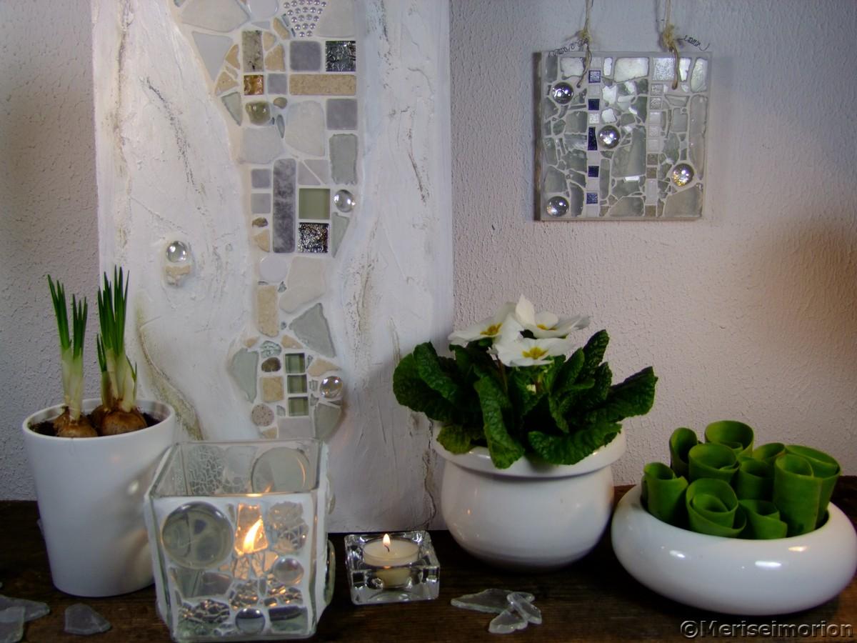 Weiße Mosaike
