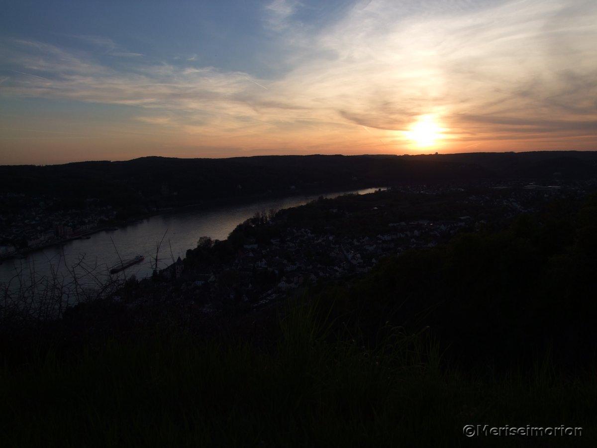 Abendrot am Rhein