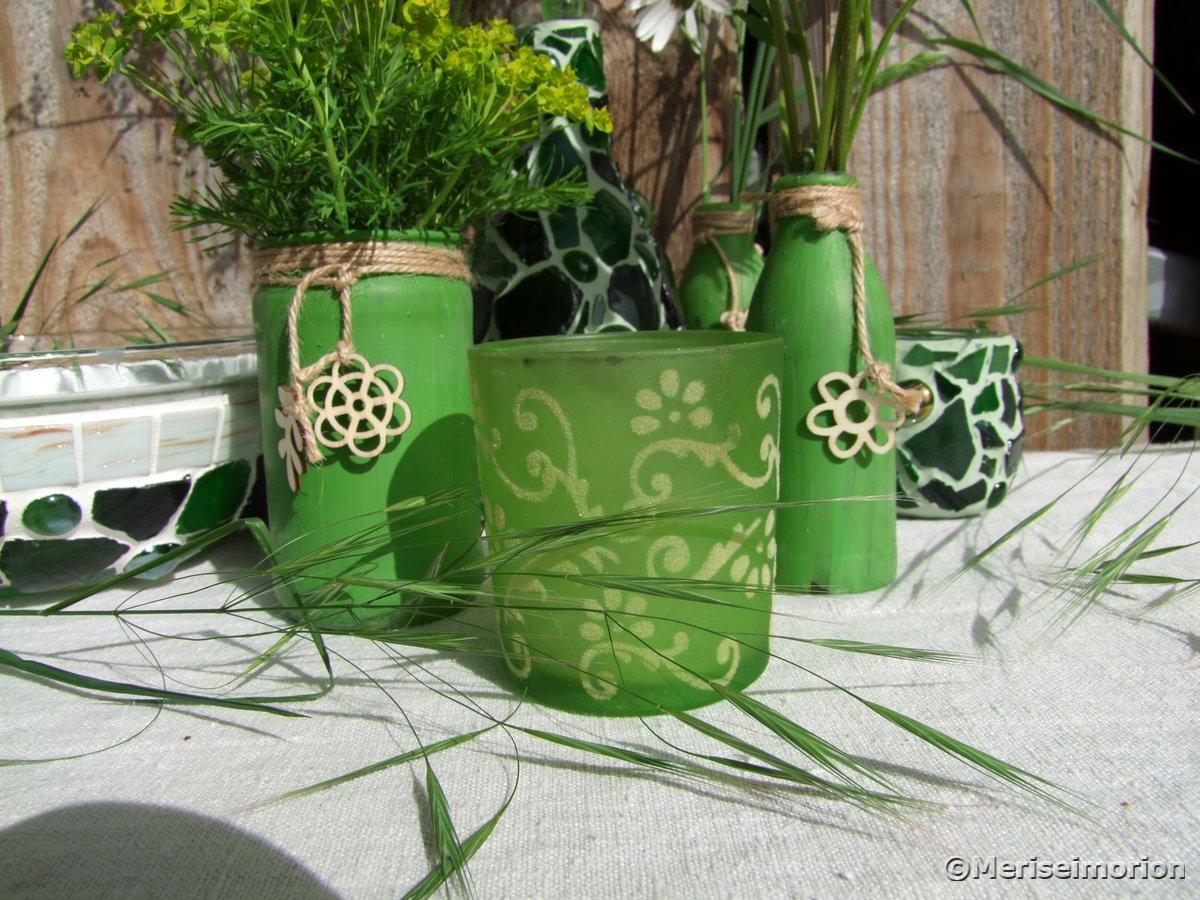 Grüne Vasen