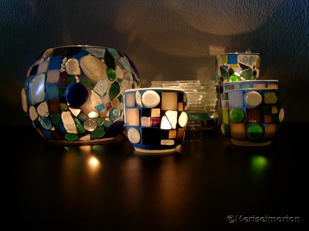 Mosaik Windlichter im Kerzenschein