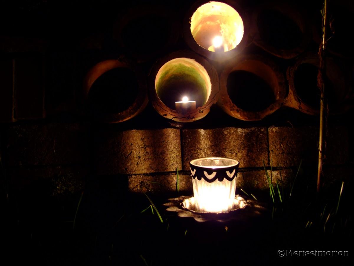 Gartenmauer mit Beleuchtung