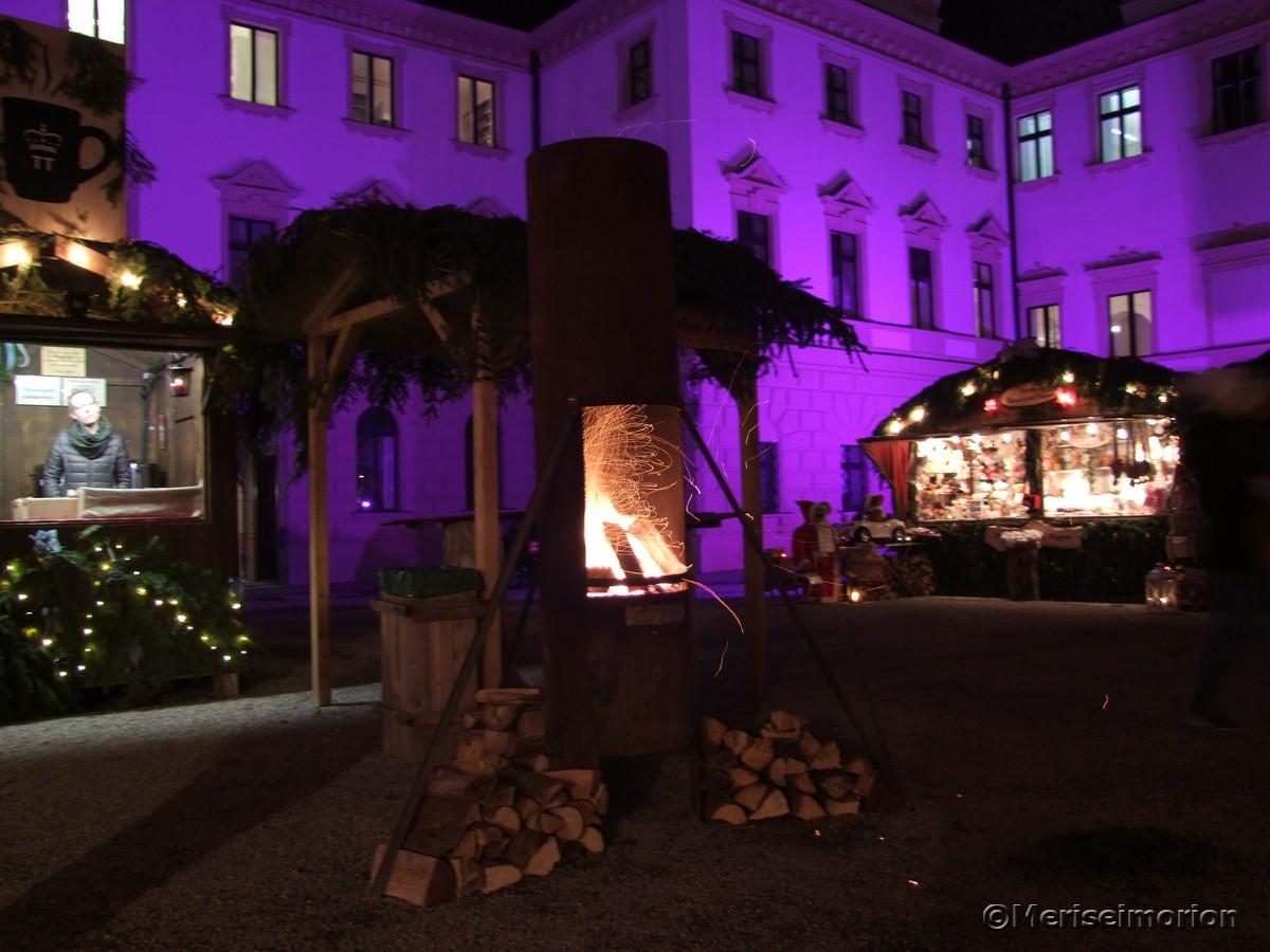 Feuerstelle Schlosshof