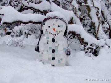 Mosaik Schneemann im garten