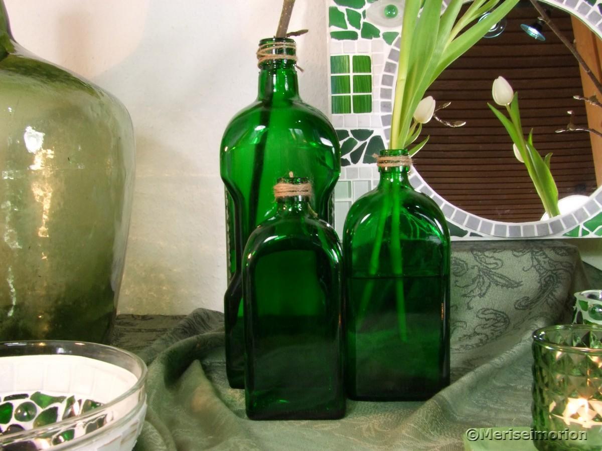 Grüne Glasflaschen Deko