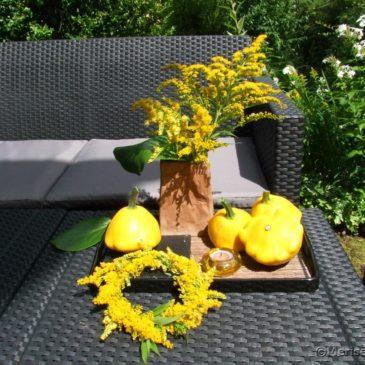 Gelbe Patisson Zucchini für die Tischdeko