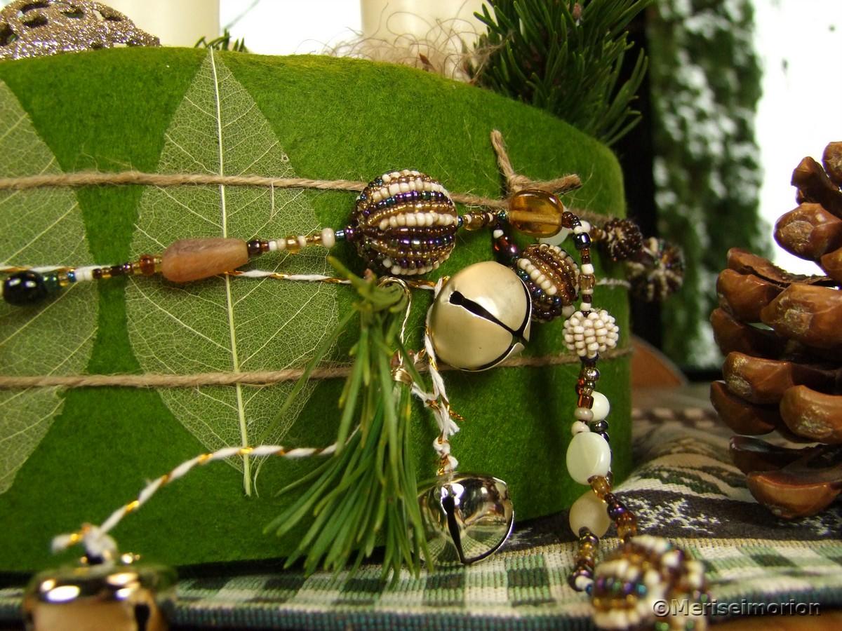Adventsdeko mit Perlen