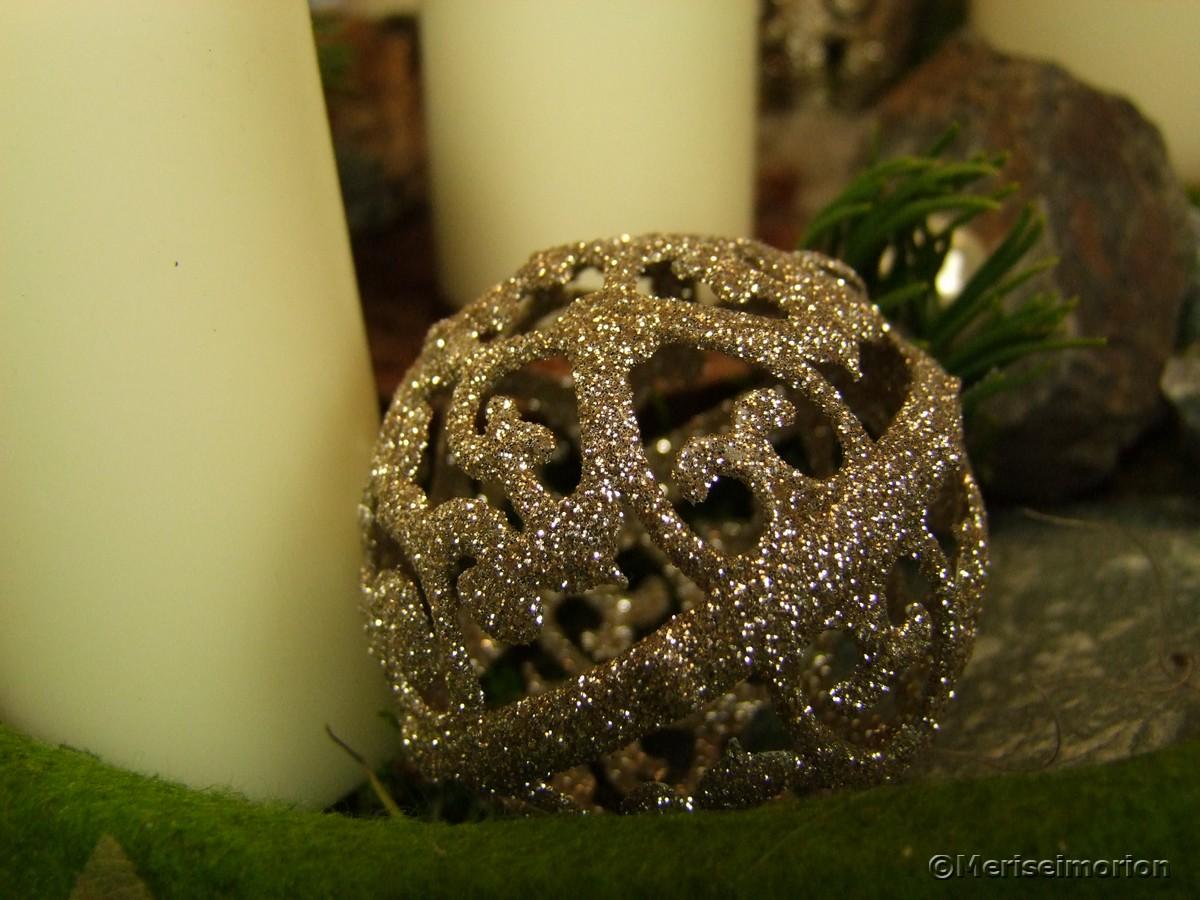 filigrane Weihnachtskugeln