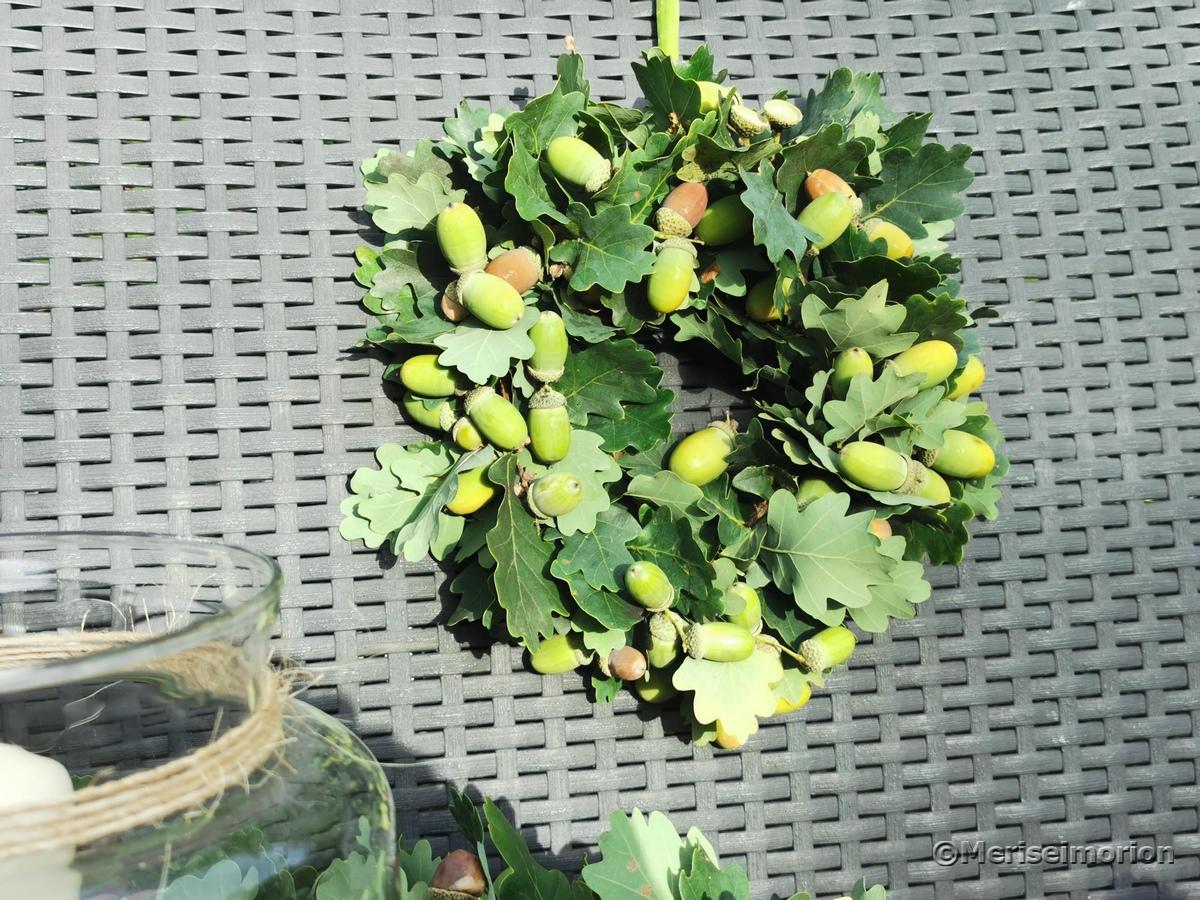 Herbstkranz mit Eicheln