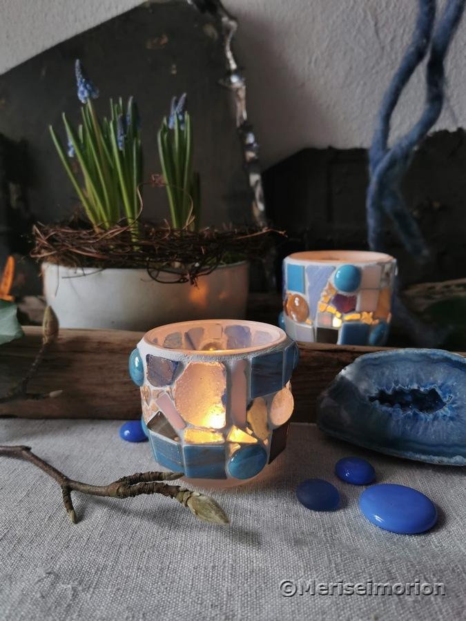 Leuchtende Mosaikwindlichter in der Frühlingsdeko